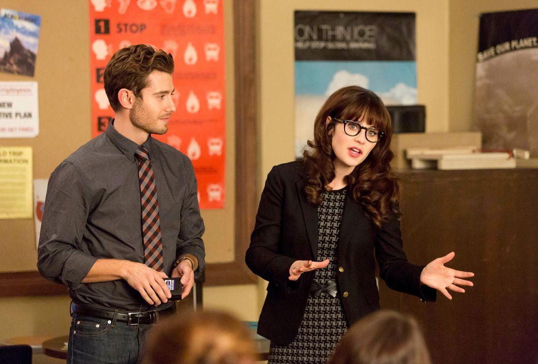 Für Jess (Zooey Deschanel, r.) wird es immer schwerer, Ryan (Julian Morris, l.) in der Schule nicht besser zu behandeln, als die anderen Lehrer ... - Bildquelle: 2015 Twentieth Century Fox Film Corporation. All rights reserved.