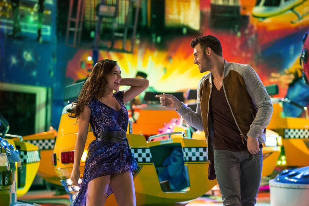 Teilen Rhythmusgefühl und die Leidenschaft zum Tanzen: Andie (Briana Evigan, l.) und Sean (Ryan Guzman, r.) ... - Bildquelle: 2014 Constantin Film Verleih GmbH.
