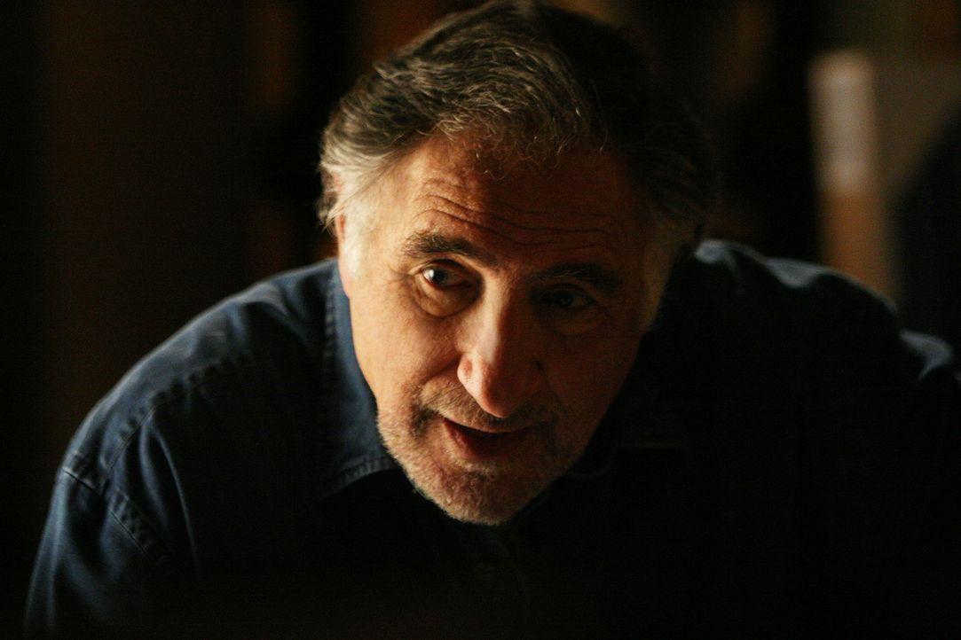 Unterstützt seine Söhne Don und Charlie so gut er kann: Alan (Judd Hirsch) ... - Bildquelle: Paramount Network Television