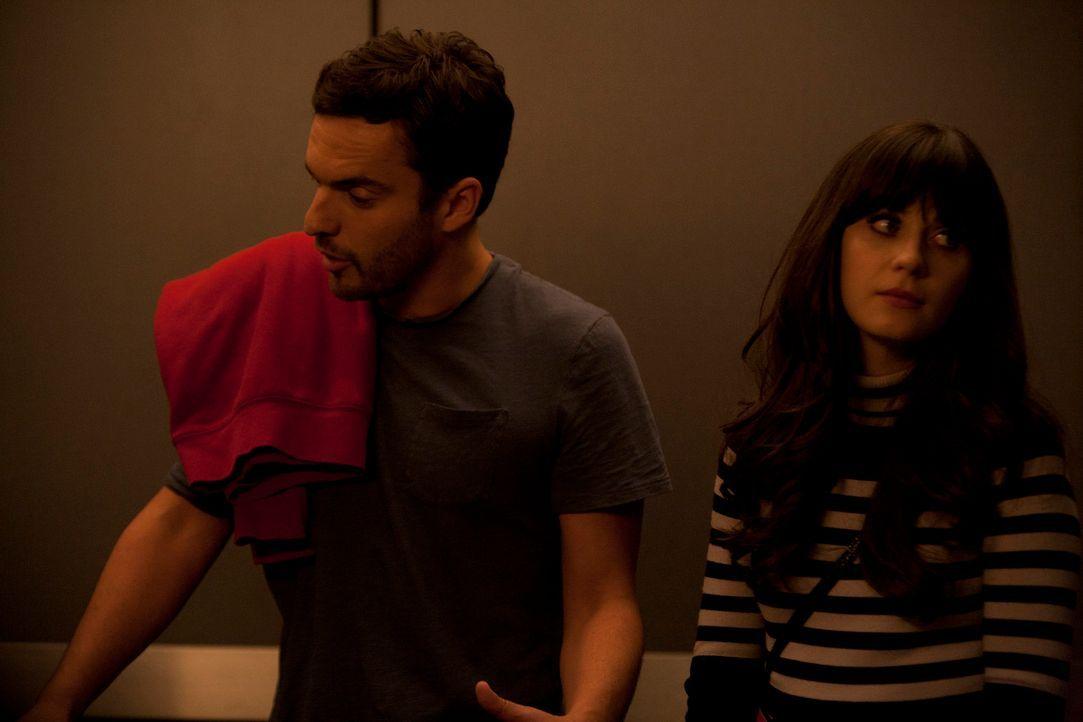 Jess (Zooey Deschanel, r.) beschließt, den ungeliebten Vermieter Remy aufzusuchen und dem Griesgram auf den Zahn zu fühlen - trotz Nicks (Jake M. Jo... - Bildquelle: 20th Century Fox