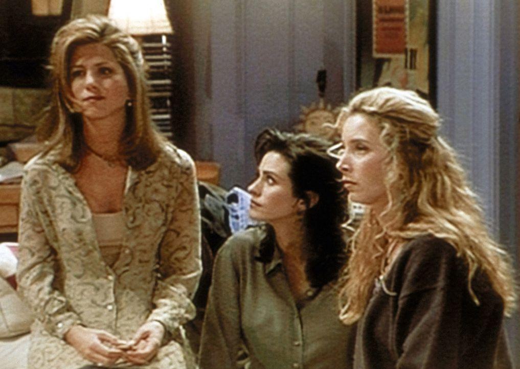 (v.l.n.r.) Rachel (Jennifer Aniston), Monica (Courteney Cox) und Phoebe (Lisa Kudrow) erzählen Ross, dass Carols Baby ein Junge sein wird. - Bildquelle: TM+  2000 WARNER BROS.