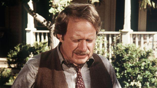 Der bekannte Journalist Porter Sims (Richard McKenzie) ist nach Waltons Mount...