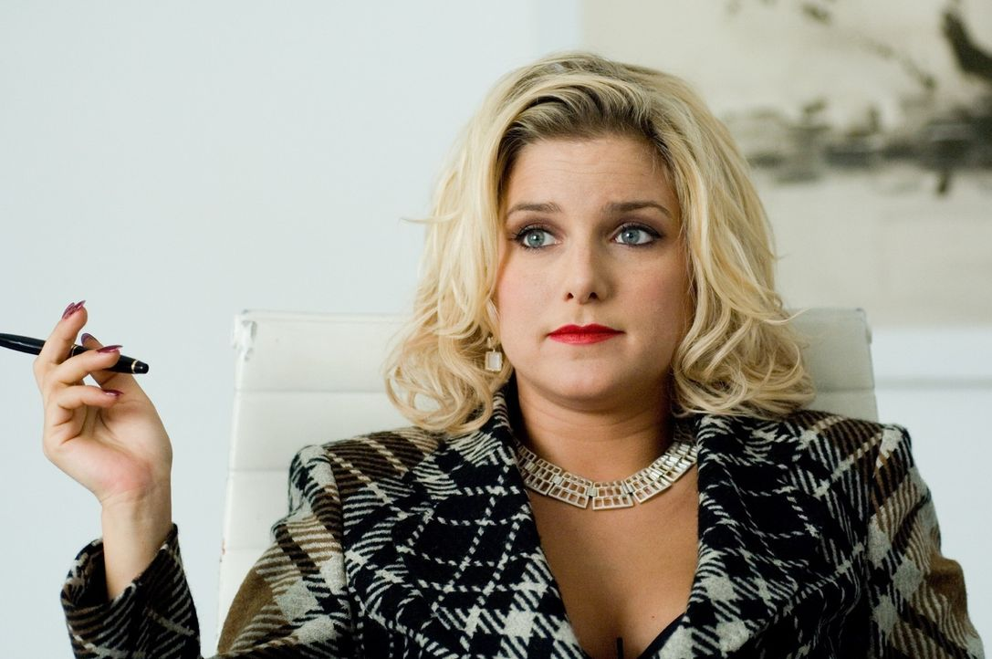 Franziska (Jeanette Biedermann) glaubt nicht mehr an die Liebe und die Treue der Männer und hat dies zu ihrer Profession als Treue-Testerin gemacht. - Bildquelle: Martin Kurtenbach Sat.1