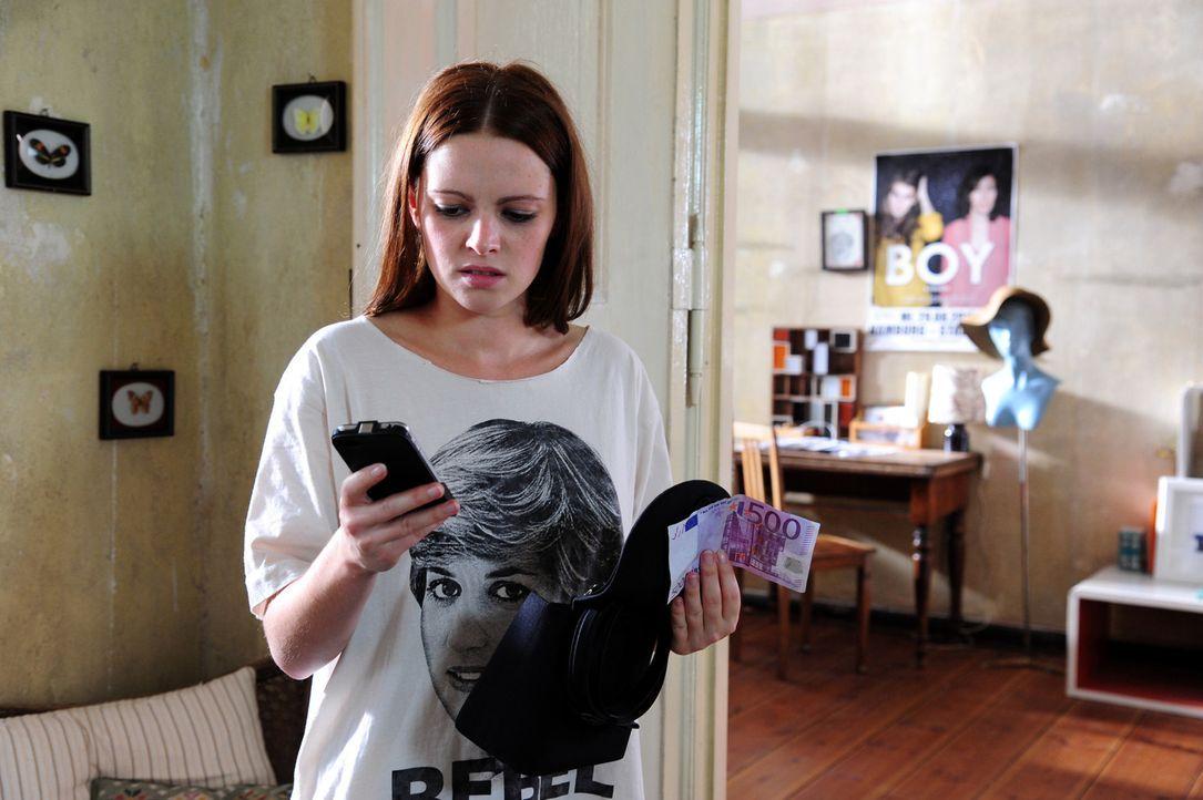 Paul hinterlässt Lissie (Jennifer Ulrich) nach der gemeinsamen Nacht nur drei Dinge: Einen lauwarmen Abschiedsbrief, 500 Euro und ein gebrochenes Herz ...