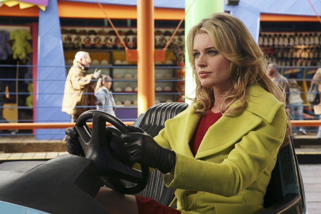 Beim Autoscooter soll der Familienfriede gerettet werden: Alexis (Rebecca Romijn) ... - Bildquelle: Buena Vista International Television