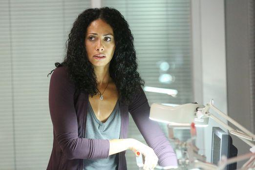 Containment - Als Lex erfährt, dass Jana (Christina Marie Moses) in Lebensgef...