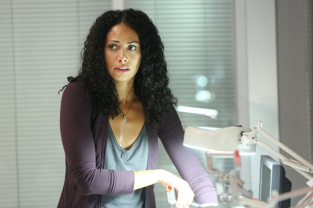 Als Lex erfährt, dass Jana (Christina Marie Moses) in Lebensgefahr schwebt, trifft er eine unüberlegte Entscheidung ... - Bildquelle: Warner Brothers