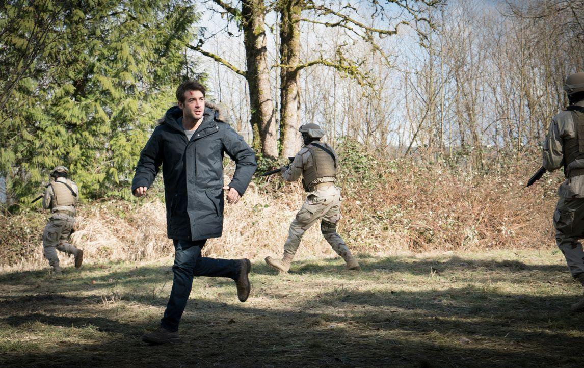 Wo sind Jamie und der Leopard? Jackson (James Wolk) läuft die Zeit davon ... - Bildquelle: Liane Hentscher 2016 CBS Broadcasting Inc. All Rights Reserved.