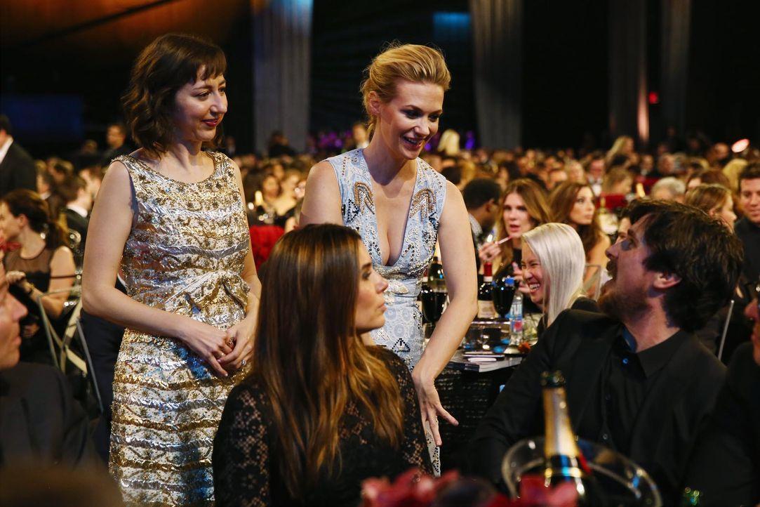 Critcs-Choice-Awards-160117-Schaal-Jones-Bale-getty-AFP - Bildquelle: getty-AFP