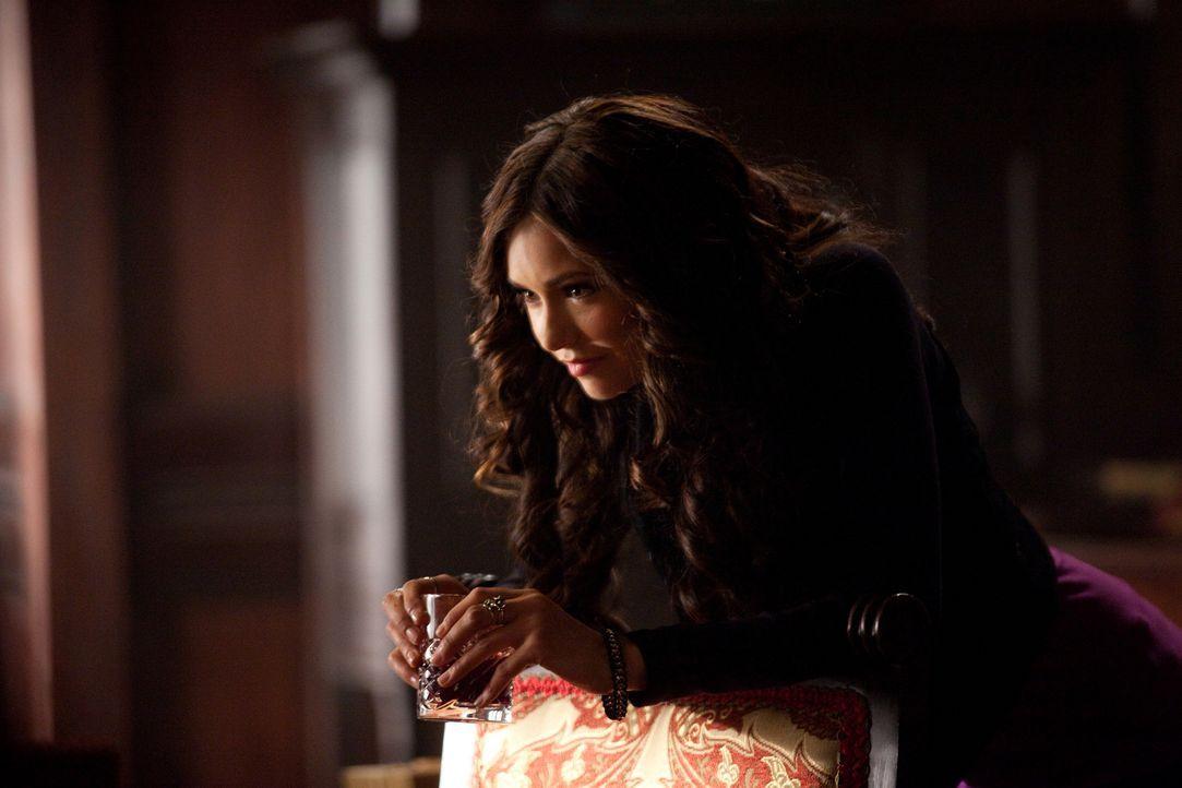 Katherine (Nina Dobrev) zweifelt Stefans Liebe zu ihrer Doppelgängerin Elena an, sie ist überzeugt, dass er nur ihretwegen nach Mystic Falls zurückg... - Bildquelle: Warner Brothers