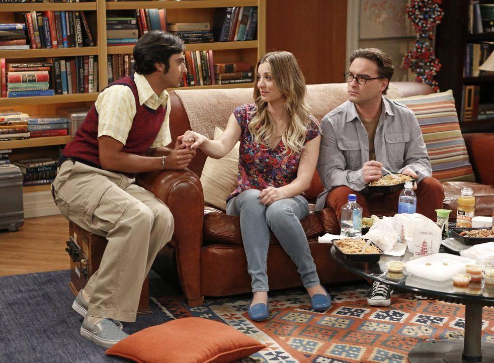 Während Penny (Kaley Cuoco, M.) und Leonard (Johnny Galecki, r.) das Rollenangebot besprechen, plagt Raj (Kunal Nayyar, l.) ein schlechtes Gewissen,... - Bildquelle: Warner Brothers