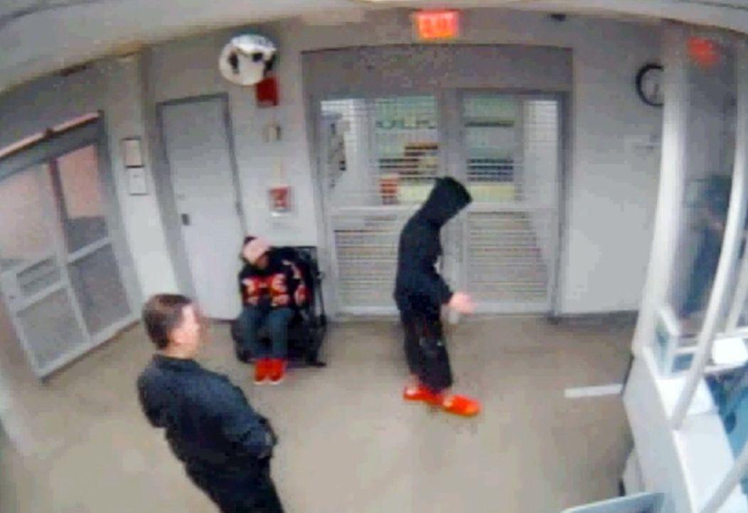 Justin-Bieber-Polizei-Video-2-140226-dpa - Bildquelle: dpa/EPA/MIAMI POLICE DEPARTMENT HANDOUT