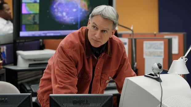 Ein hochentwickeltes Radargerät wurde gestohlen. Gibbs (Mark Harmon) und sein...