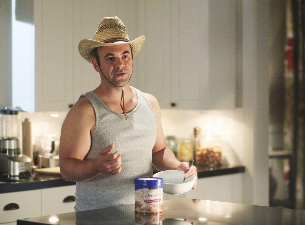 Andy (Ian Gomez) stellt fest, dass er ein geduldeter Sklave in seinem eigenen Haus ist. Wenn er sich nicht so verhält, wie Ellie es wünscht, wird... - Bildquelle: 2009 ABC INC.