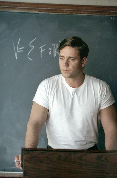 Mit zarten 22 Jahren hat John Forbes Nash Jr. (Russell Crowe) schon promoviert und gilt unter Amerikas Mathematikern als einer der originellsten und... - Bildquelle: Universal Pictures