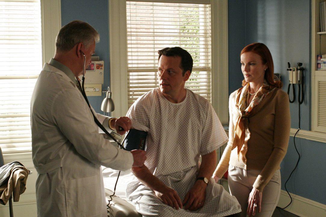 Bree (Marcia Cross, r.) macht sich Sorgen um ihren Ehemann Rex (Steven Culp, M.), doch dann nimmt alles eine tragische Wendung ... - Bildquelle: Touchstone Pictures