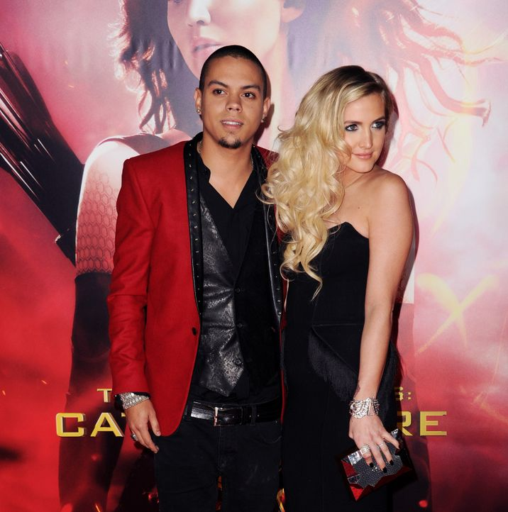 The-Hunger-Games-Premiere-LA-Ashlee-Simpson-Evan-Ross-13-11-18-AFP - Bildquelle: AFP