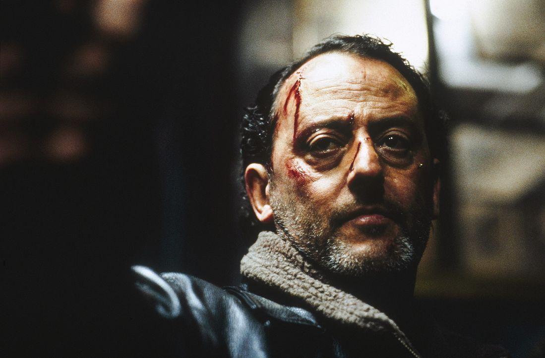 Der wortkarge, ruppige Kommissar Pierre Nièmans (Jeno Reno) will einen brutalen Ritualmord aufklären ... - Bildquelle: TOBIS STUDIO CANAL GMBH&CO.KG