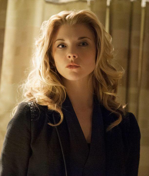 Mit ihr ist nicht zu spaßen: Irene alias Moriarty (Natalie Dormer) ... - Bildquelle: CBS Television