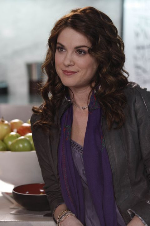 Ben braucht händeringend ein Date für die Hochzeit seiner Schwester. Doch wird Sara (Danneel Ackles), als gute Freundin, einspringen? - Bildquelle: NBC Universal, Inc.