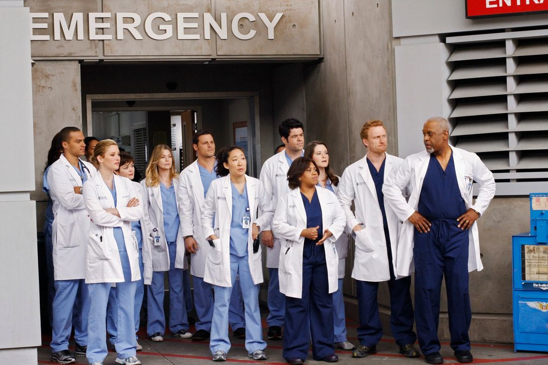 Sind auf den neuen Patienten total gespannt: (v.l.n.r.) Jackson (Jesse Williams), Lexie (Chyler Leigh), Reed (Nora Zehetner), Meredith (Ellen Pompeo... - Bildquelle: Touchstone Television