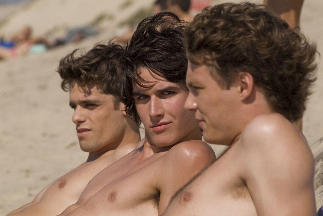 Sollten fürs Abi lernen: (v.l.n.r.) Maxime (Arthur Dupont), Richard (Pierre Boulanger) und Lucas (Théo Frilet) ...