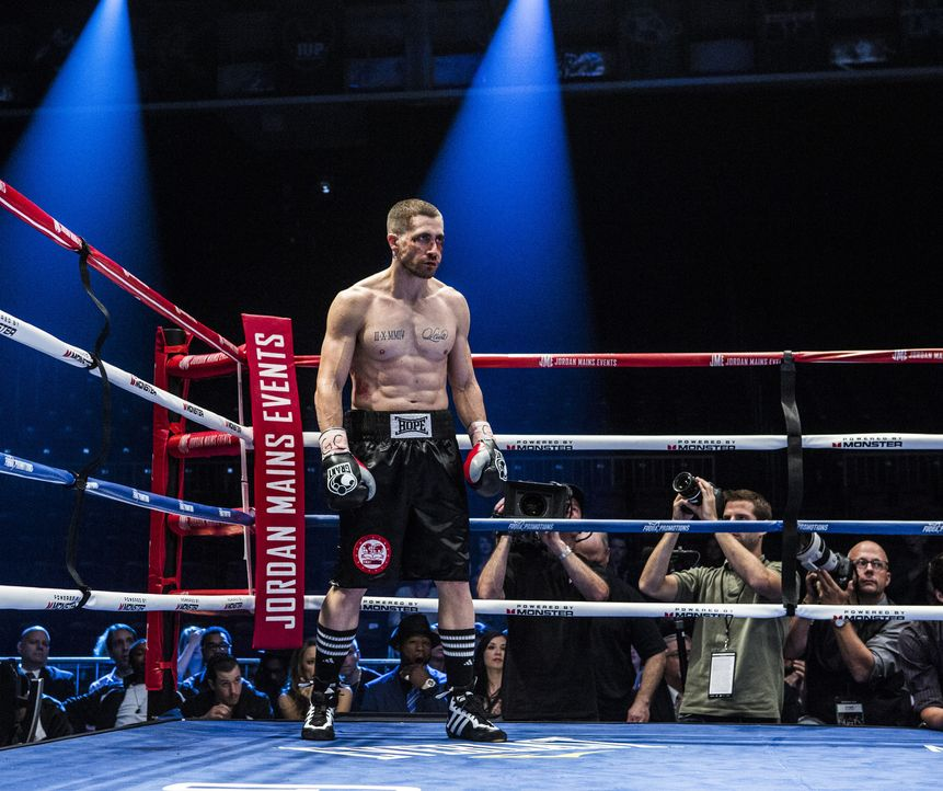 Als sein ganzes Leben und seine Karriere ihren Tiefpunkt erreichen, setzt der Boxer Billy Hope (Jake Gyllenhaal) alles daran, sich wieder aufzuraffe... - Bildquelle: Scott Garfield Tobis Film/   2014 The Weinstein Company. All Rights reserved.