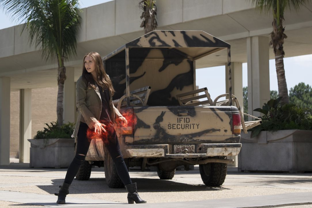 Wanda Maximoff alias Scarlet Witch (Elizabeth Olsen) - Bildquelle: Zade Rosenthal 2014 MVLFFLLC. TM &   2014 Marvel. All Rights Reserved./Zade Rosenthal