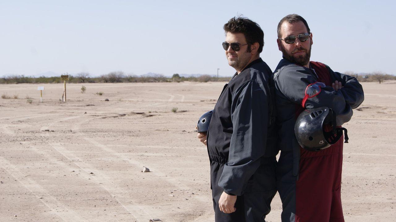 Adam Richman (l.); Bert Kreischer (r.) - Bildquelle: 2011, The Travel Channel, L.L.C.