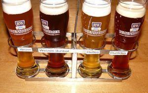 Unter den verschiedenen Biersorten ist das Weizenbier besonders beliebt, denn...