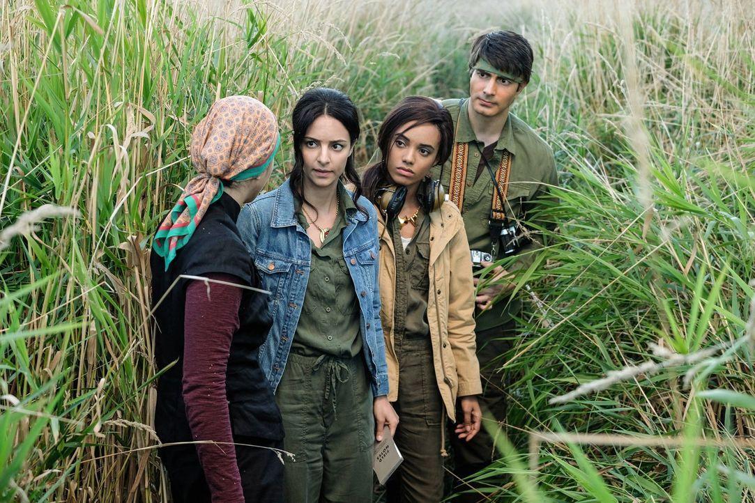 (v.l.n.r.) Zari (Tala Ashe); Amaya (Maisie Richardson-Sellers); Ray (Brandon Routh) - Bildquelle: 2017 Warner Bros.