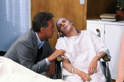 Quincy (Jack Klugman, l.) betreut in Vertretung des Psychiaters Dr. Pendleton...