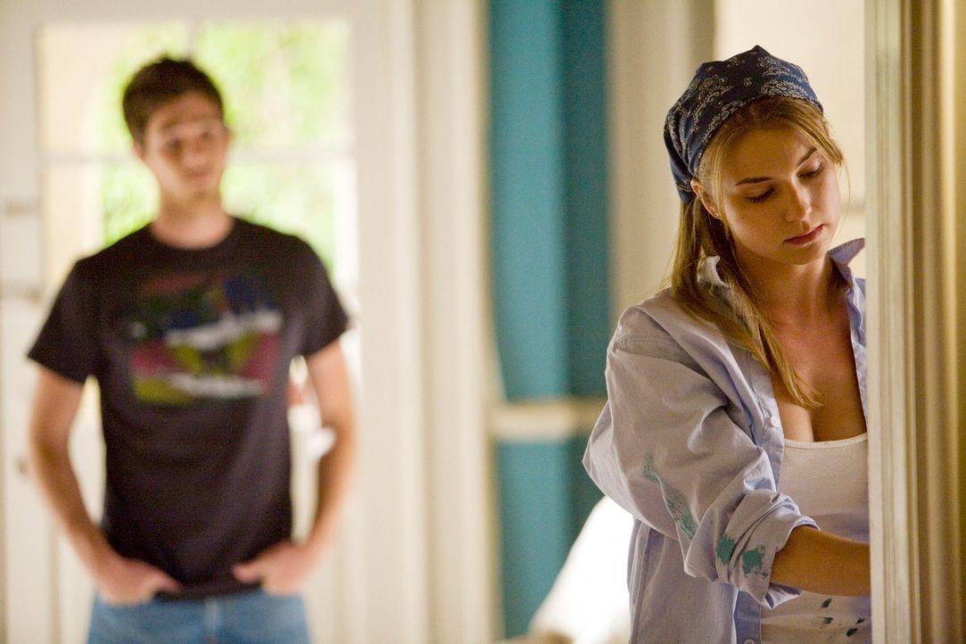 Fällt es noch extrem schwer, ihrer Beziehung freien Lauf zu lassen: Rebecca (Emily VanCamp) ... - Bildquelle: 2008 ABC INC.