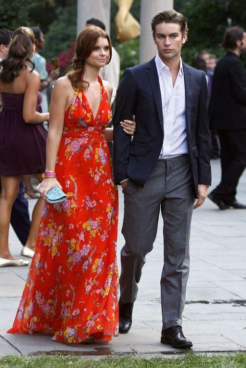 Ein hübsches Paar, doch schon bald wird Bree (Joanna Garcia, l.) Nate (Chace Crawford, r.) beichten, dass sie ihn nur ausgenutzt hat. - Bildquelle: Warner Brothers