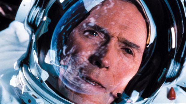Der Konstrukteur Frank Corvin (Clint Eastwood) wittert seine letzte Chance, f...