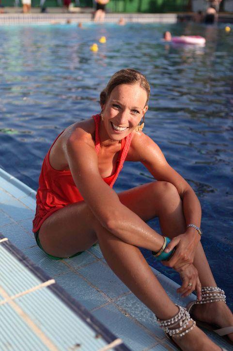 Dr. Christine Theiss führt zehn übergewichtige Kandidatenpaare in ein gesünderes Leben ... - Bildquelle: Enrique Cano SAT.1