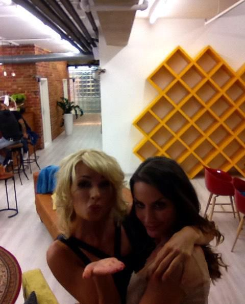 Sendung 2: Isabell und Sophia  - Bildquelle: sixx