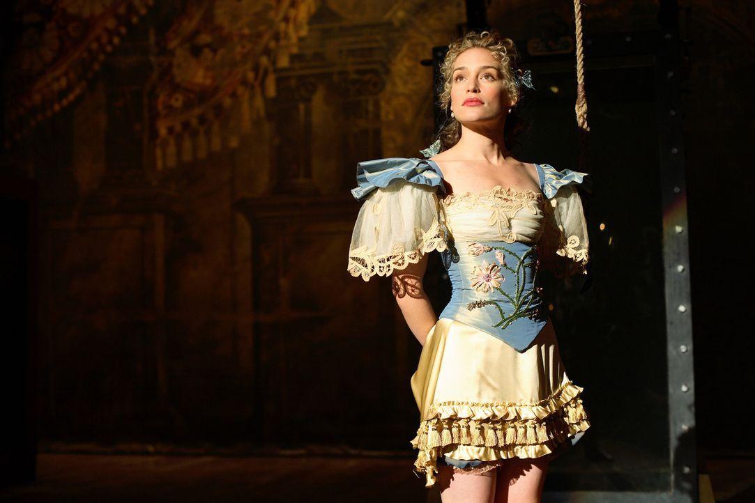 Kommt bei einem Zaubertrick ums Leben: Julia (Piper Perabo) ... - Bildquelle: Warner Television