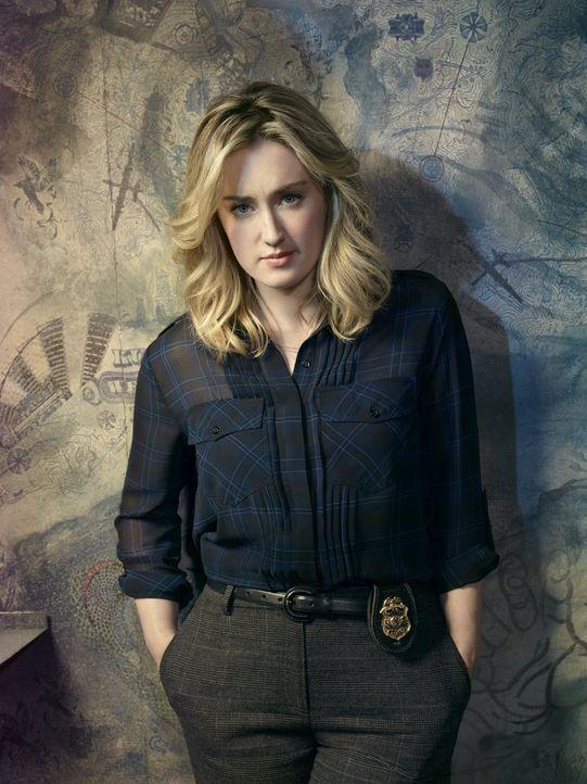 (2. Staffel) - Seit 3 Monaten heizt Patterson (Ashley Johnson) die Gerüchteküche um das Schicksal von FBI-Büroleiterin Mayfair an. Gelingt es ihr, d... - Bildquelle: Warner Brothers.