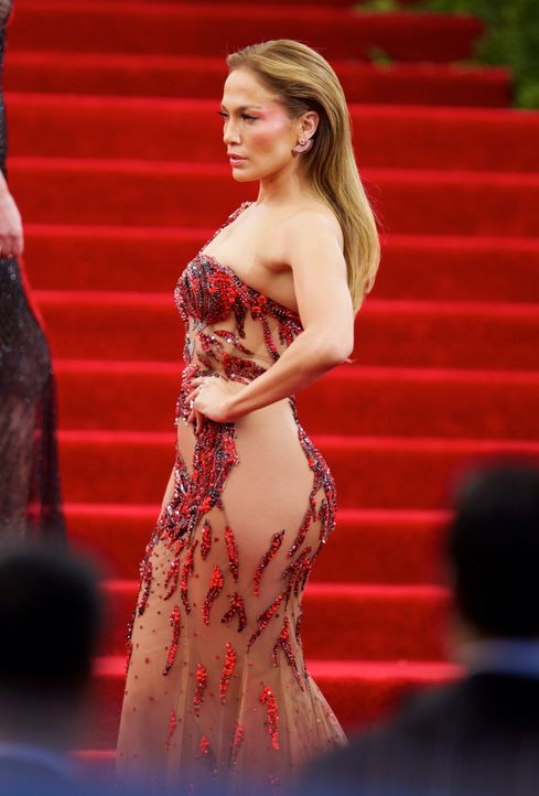 Met Gala 2015: Jennifer Lopez - Bildquelle: Alberto Reyes/WENN.com