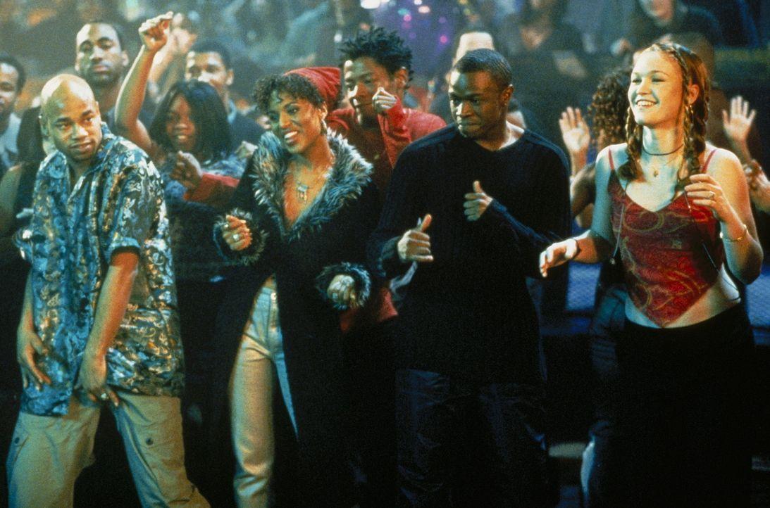 Tanzpartner fürs Leben: Derek (Sean Patrick Thomas, l.) und Sara (Julia Stiles, r.) ... - Bildquelle: Paramount Pictures