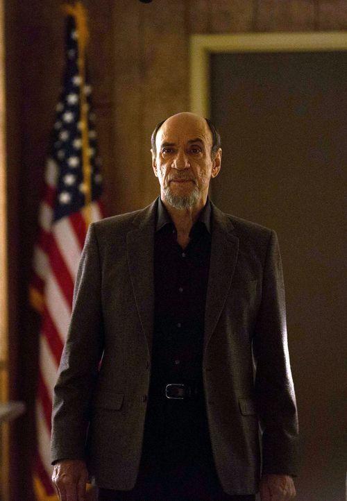 Hofft, gemeinsam mit Saul, dass Brody die Geheimmission im Iran annimmt: Dar Adal (F. Murray Abraham) ... - Bildquelle: 2013 Twentieth Century Fox Film Corporation. All rights reserved.