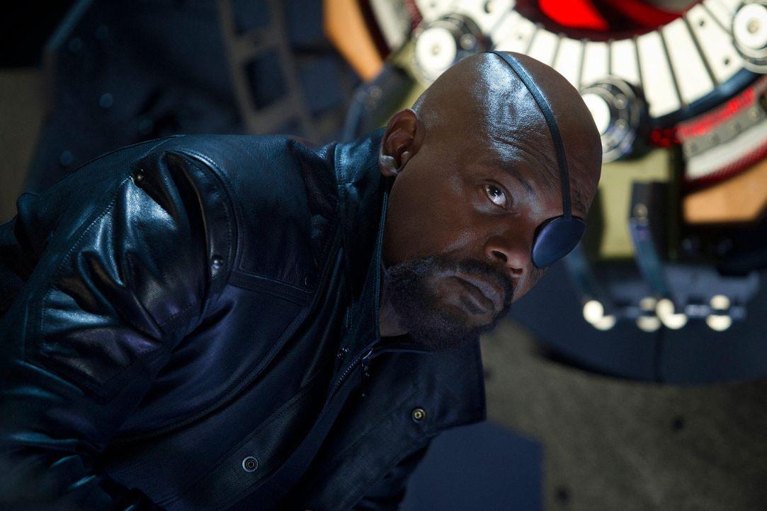 the-avengers-extra-042-2011-mvlffllc-tm-2011-marveljpg 2000 x 1333 - Bildquelle: 2011 MVLFFLLC TM & 2011 Marvel