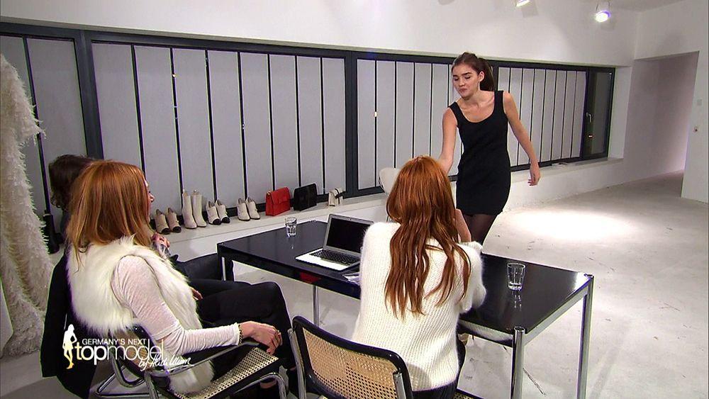 GNTM-09-Epi10-Casting-Fashion-Week_16
