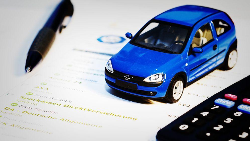 akte so finden sie die g nstigste autoversicherung sat 1