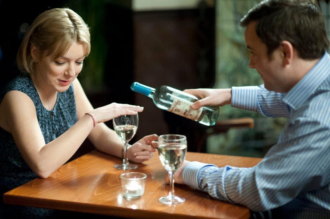 Jenny (l.) arbeitet als Grundschullehrerin und erholt sich immer noch von einer kürzlich gescheiterten Beziehung. Nick (r.) ist ein charmanter Großs...