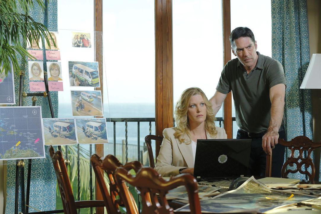 Im Wettlauf gegen die Zeit, um die entführte Familie lebend zu finden: Lily Lambert (Anna Gunn, l.) und Hotch (Thomas Gibson, r.) ... - Bildquelle: ABC Studios