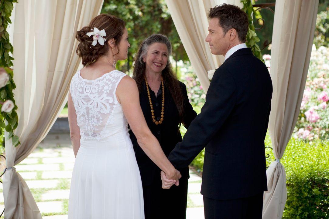 Bis dass der Tod sie scheidet: Pete (Tim Daly, r.) und Violet (Amy Brenneman, l.) ... - Bildquelle: ABC Studios