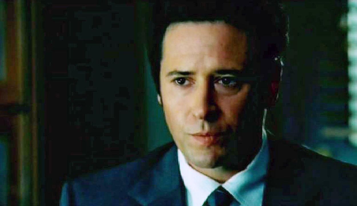 Don Eppes (Rob Morrow) befragt den Richter Franklin Trelane nach möglichen Tatverdächtigen ... - Bildquelle: Paramount Network Television