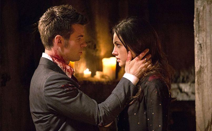 Elijah und Hayley sollen heiraten - Bildquelle: Warner Bros. Entertainment Inc.